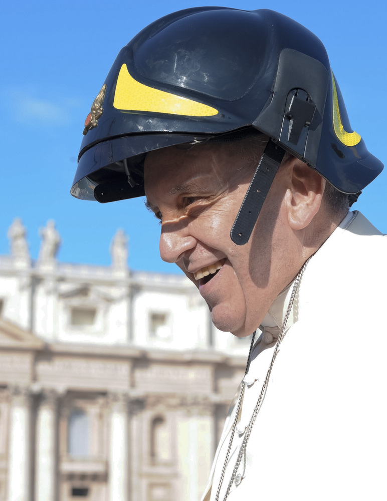Pope Francis in hard hat 2